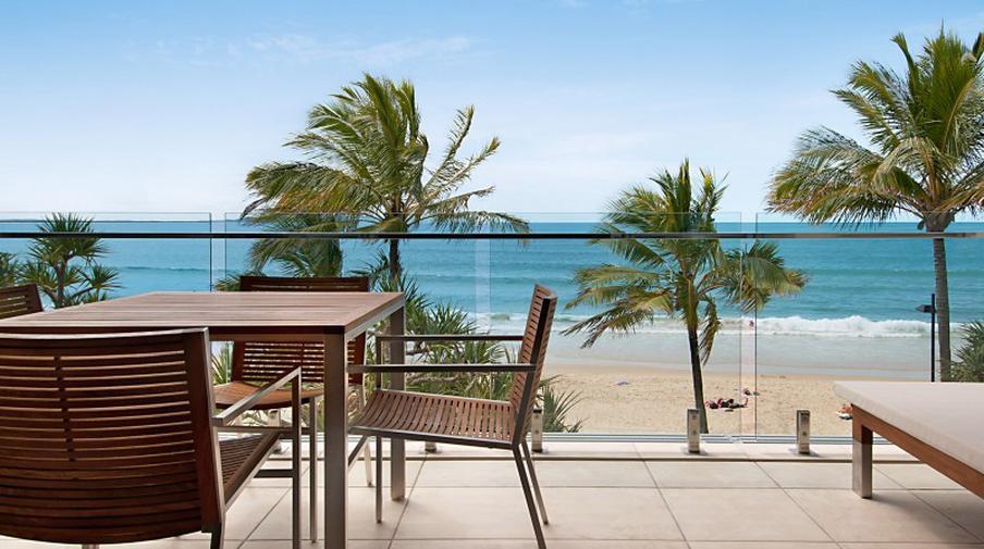 Amazing beachfront apartment amazing accom for Pool design sunshine coast