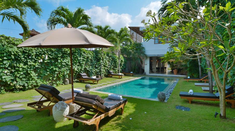Luxury Garden Villa