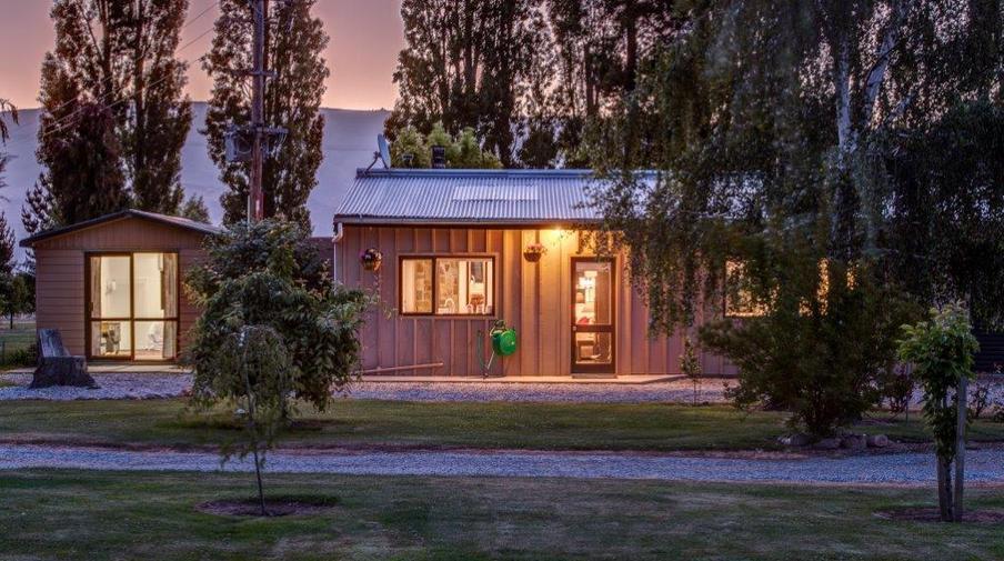 Vineyard barn house