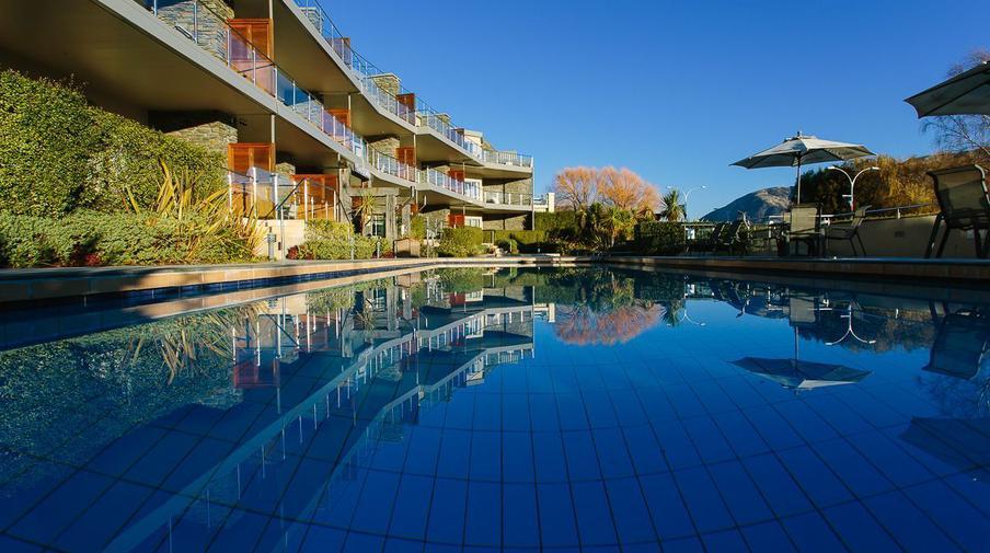 Lakeside Penthouse Apartment | Amazing Accom