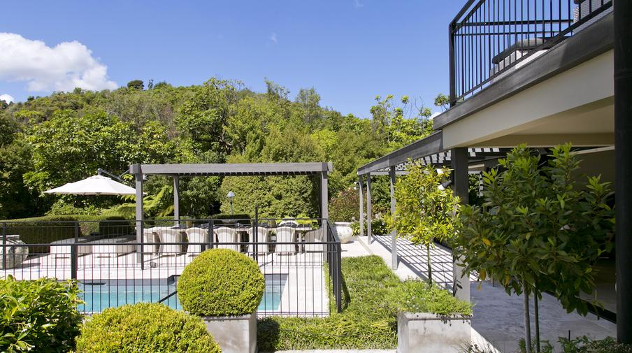 The point villas taupo amazing accom for Minimalist house lake taupo